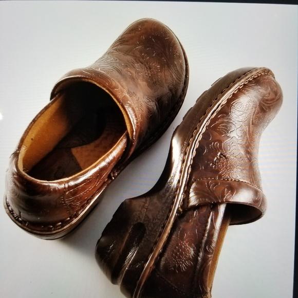 6bcee02d5 Born Shoes - Women BOC Born clogs - Peggy Brown Paisley - Toole